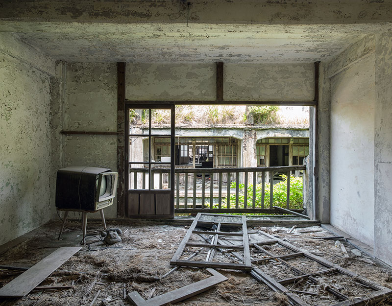Hashima Island Photographs by Andrew Meredith Photography - Apartments Photograph 3